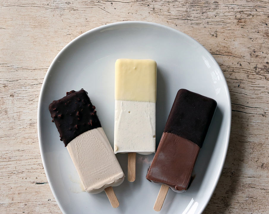 Botolino - Darkest Chocolate Popsicle, Vanilla Popsicle and Vegan Hazelnut Popsicle